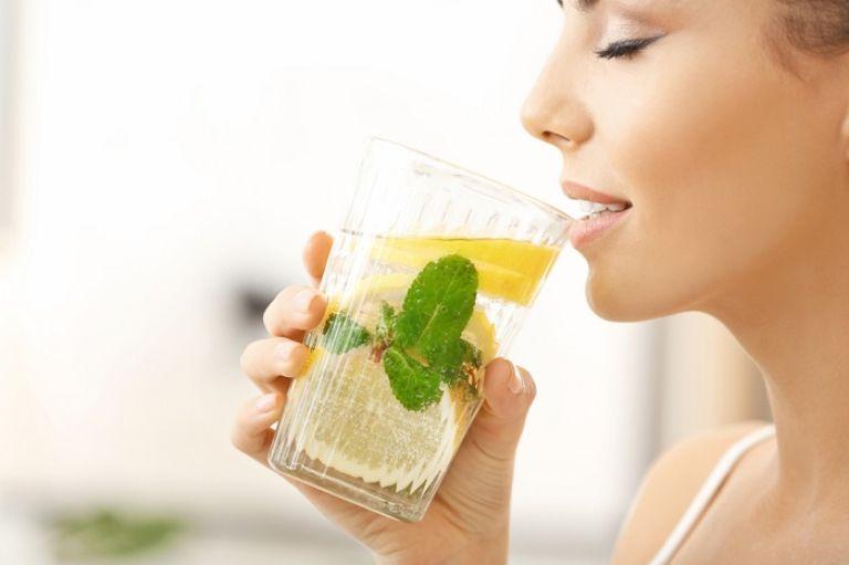Tại sao nên uống nước chanh pha muối hồng Himalaya hàng ngày?
