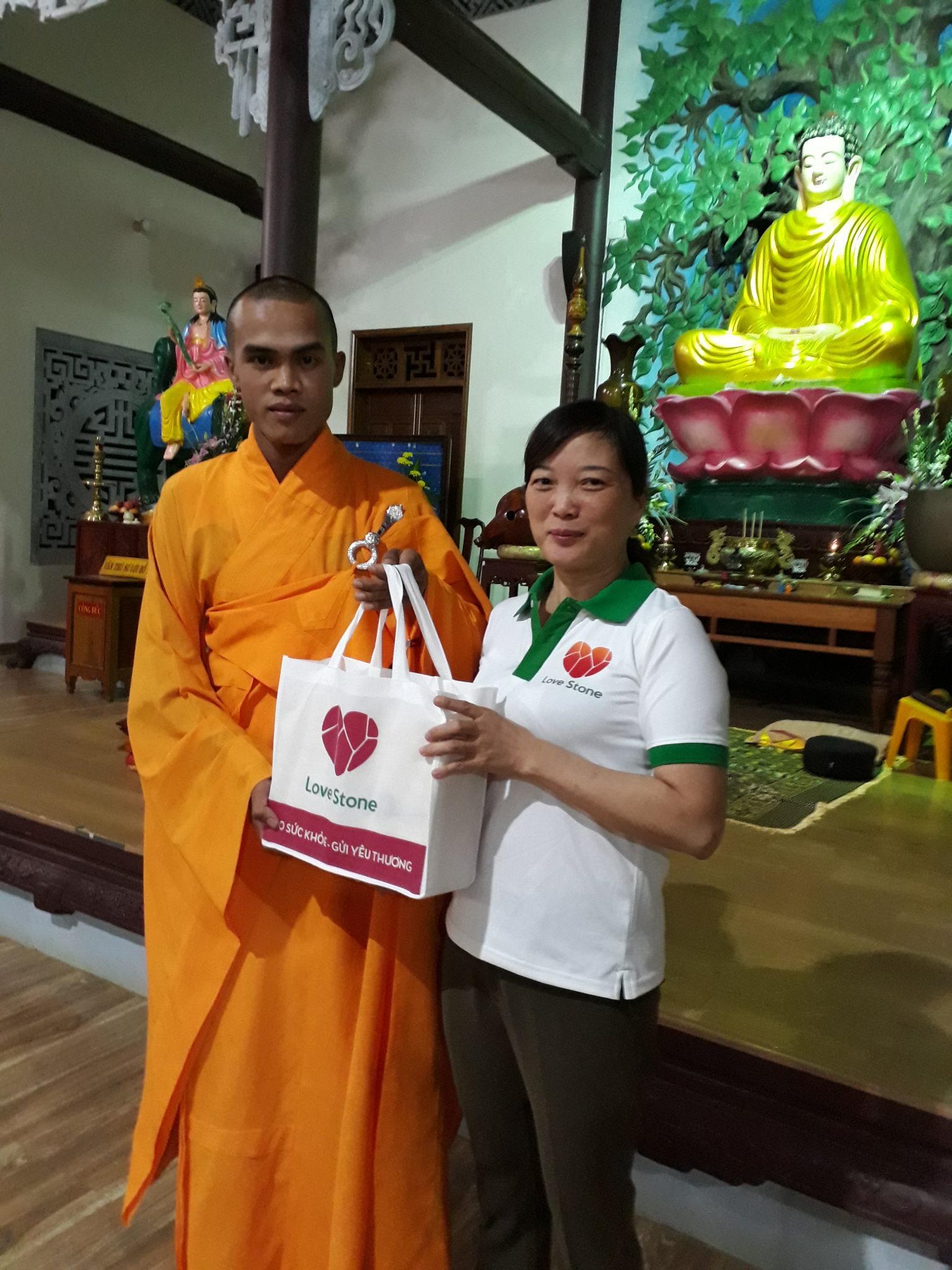 Hành trình 1000 ngôi chùa - kỳ 3: Trao yêu thương cùng đại sứ Đắk Nông