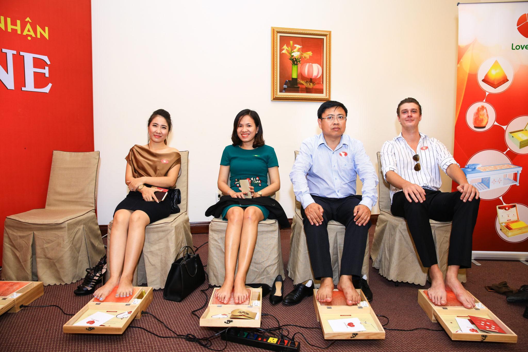 Giúp bạn tìm chọn địa điểm mua hộp đá muối massage chân Love Stone an toàn nhất tại Huế