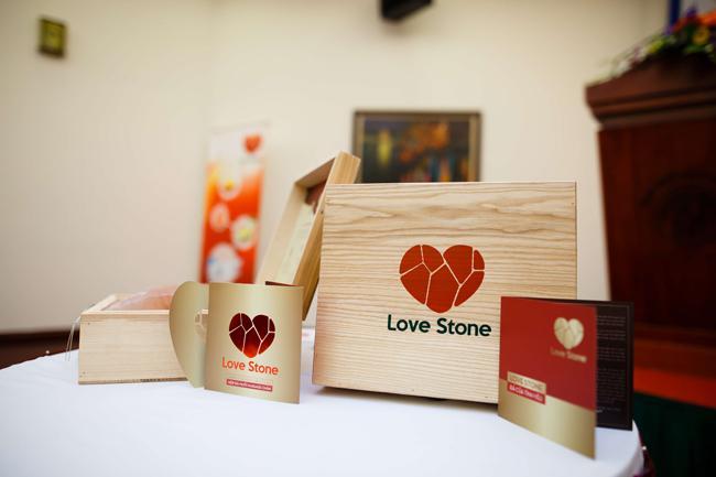 Ở đâu tại Gia Lai bán hộp đá muối massage chân Love Stone chất lượng?