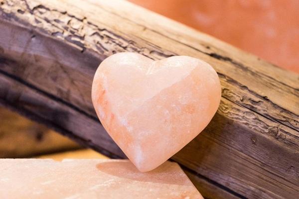 Sản phẩm mới đến từ nhà sản xuất Love Stone: Viên đá muối trái tim Love Stone - Chuyên gia tẩy tế bào chết